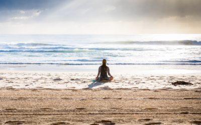 Jak nauczyć się kontrolować swój umysł? Technika jogi kundalini